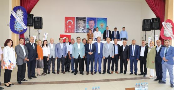 """AK Parti Kavaklıdere, """"Alpözen ile devam"""" dedi"""