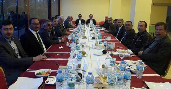 AK Partili Özyer, STK temsilcileriyle bir araya geldi