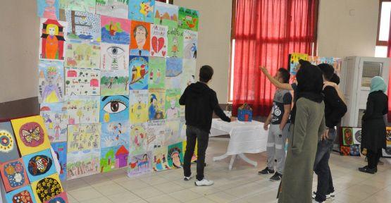 Bencik Ortaokulu'ndan resim sergisi