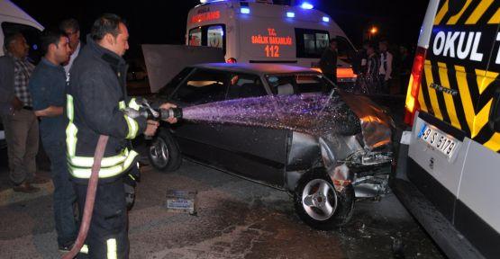 Bozarmut'ta minibüs otomobille çarpıştı: 1 ölü, 6 yaralı