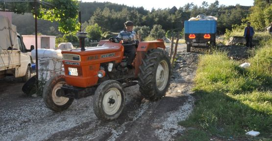 Bu yolda sadece traktör ilerleyebiliyor