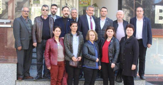 İYİ Partililer, Belediye Başkanı Işık'ı ziyaret etti