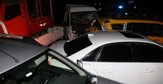 Kazayı izleyen araçların arasına daldı: 3 yaralı