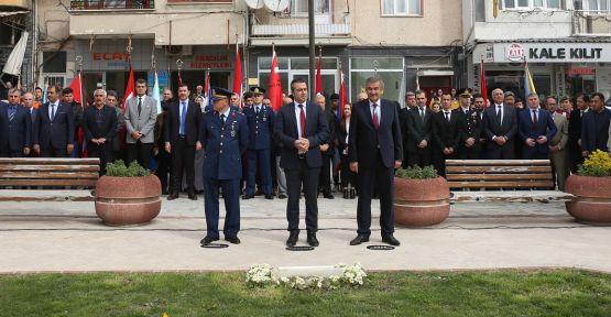 Kuvâ-yi Milliye Parkı'nda çelenk töreni düzenlendi