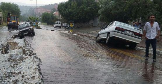 Sağanak yağmur Kavaklıdere'de felakete yol açtı
