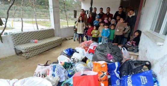 Suriyeli sığınmacılara jandarmadan yardım eli