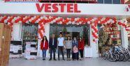 Vestel'in şanslı müşterileri hediyelerine...