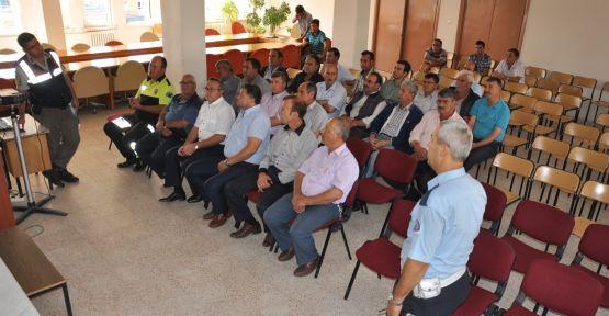 Trafik ekiplerinden servis sürücülerine seminer