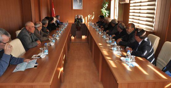 Turgut'tan kömür çıkartmak istemeyen vatandaşlar, Maden Direktörüyle görüştü