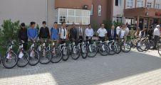 Yatağan'da öğrencilere 63 bisiklet dağıtıldı