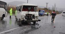 Yatağan'da iki işçi servisi çarpıştı: 5 yaralı