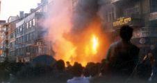 CHP, Madımak'ta yaşamını yitirenleri andı