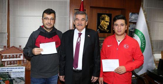 Yatağan Belediyesi'nden okçulara 25 bin liralık ödül