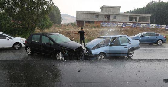 Yatağan'da bayram tatili dönüşü kaza: 2 yaralı