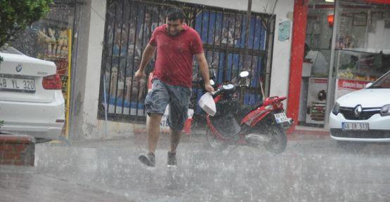 Yatağan'da sağanak yağış etkili oldu
