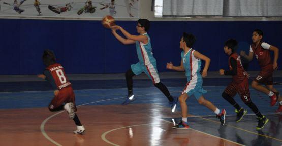 """Yatağan'da """"Yatağansız"""" basketbol turnuvası"""