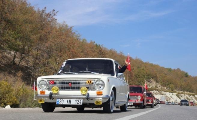Klasik arabalardan 3000 yıllık kente tarihi yolculuk