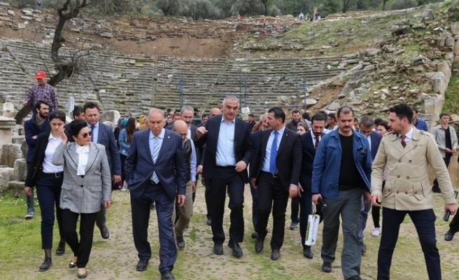 "Bakan Ersoy: ""Stratonikeia Antik Kenti, ikinci Efes olabilir"""