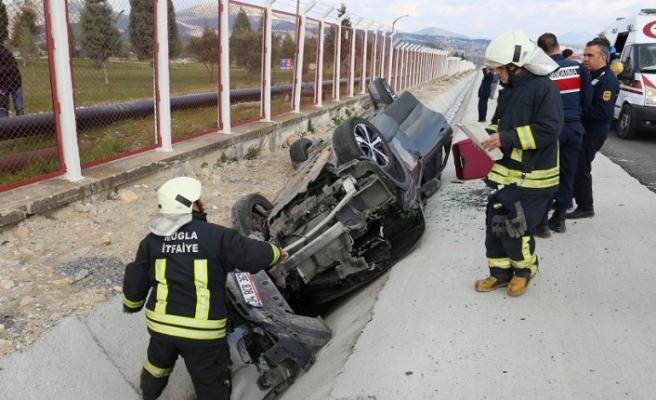 Yatağan'nda kaza: 2'si Mısır uyruklu 3 kişi yaralandı