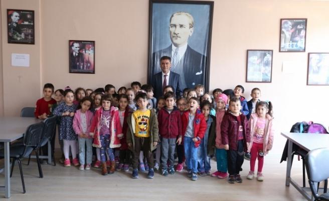 Toksöz, Kütüphane Haftası'nı kutladı