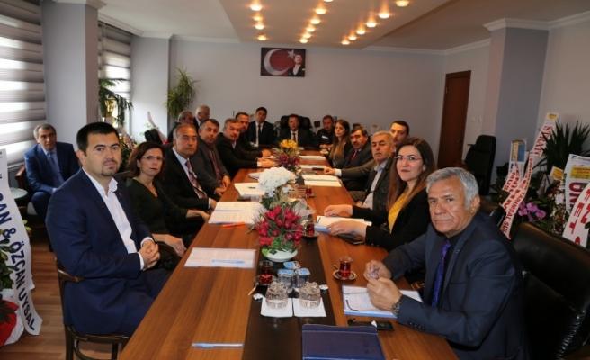 Yeni belediye meclisi ilk defa toplandı