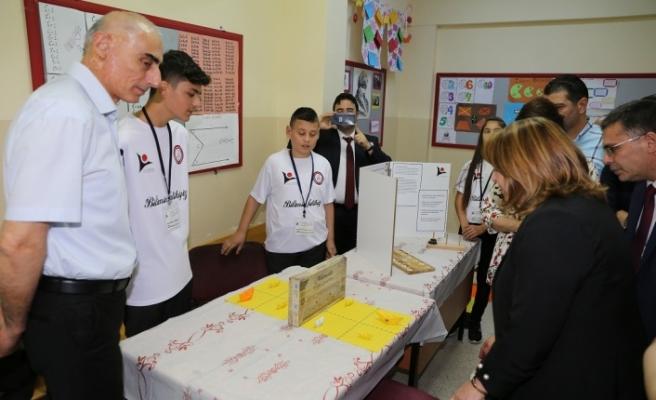 Fatih Ortaokulu'nda 4006 TÜBİTAK Bilim Fuarı açıldı