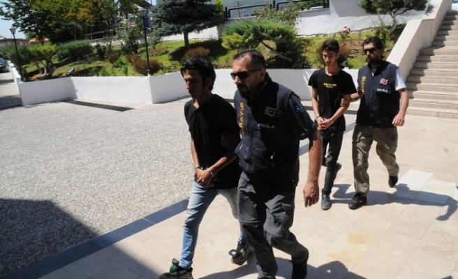 Şantaj çetesi polisten kaçamadı