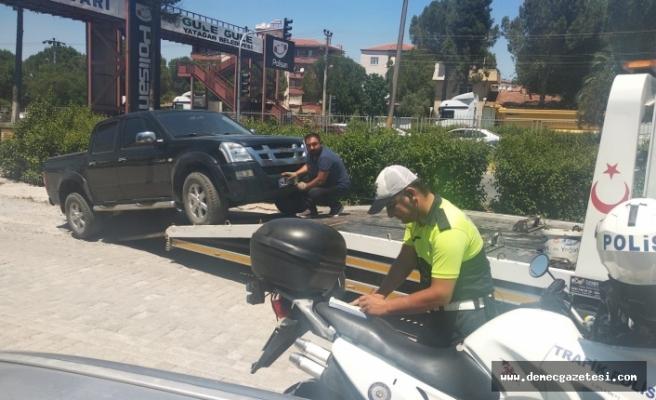 Ters yönden giden ve kaldırıma park edenlere polisten ceza