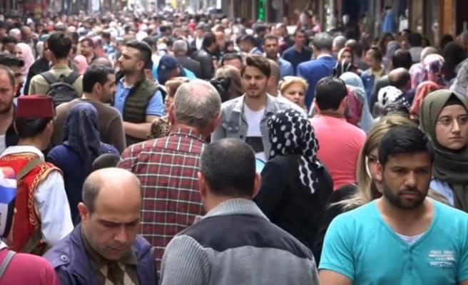 Türkiye'deki yabancı uyruklu kişi sayısı 1 milyon 211 bin 34 oldu