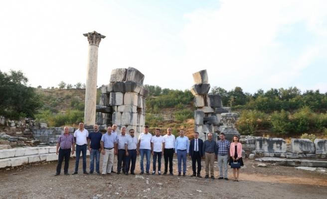 Mermerciler, dünyanın en büyük beyaz mermer kentinde toplandı