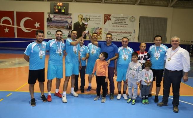 29 Ekim Cumhuriyet Kupası'nı kazanan, Yatağan Kaymakamlığı oldu