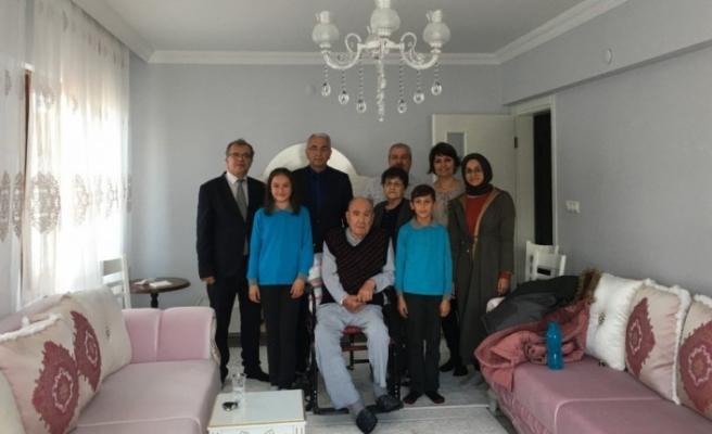 Milli Eğitim'den emekli öğretmene evinde ziyaret