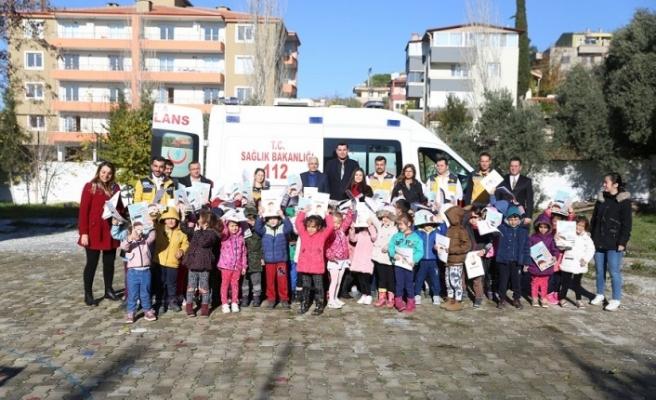 Öğrencilere ambulansı tanıttılar