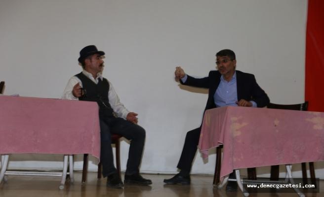 """""""Sosyal imam"""", tiyatroyla cemaatin hayatlarını değiştiriyor"""
