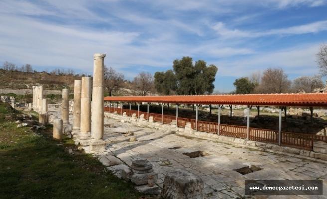1600 yıllık mozaiklere 'çatılı' önlem