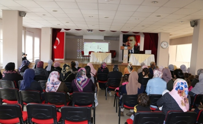"""Yatağan Müftülüğünden """"İslam'da kadın"""" konulu konferans"""