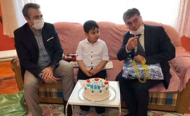 23 Nisan doğumluların doğum günlerini kutladılar
