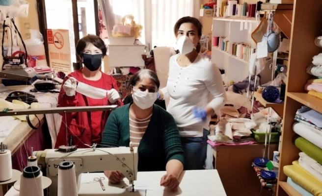 CHP'li kadınlar Muğla'da maske üretiyor