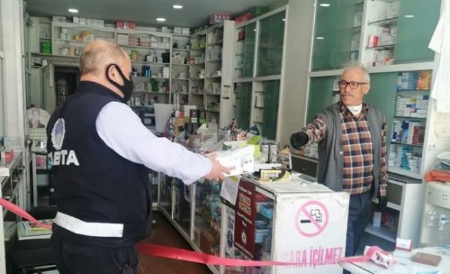 Yatağan Belediyesi, eczanelere maske dağıttı
