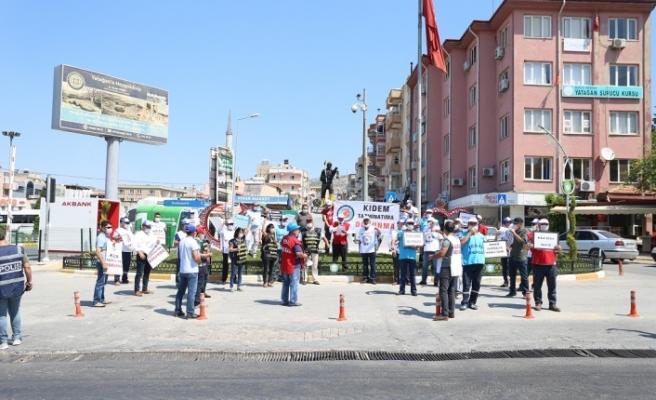 """Türk-İş meydanlara indi: """"Kıdem tazminatına dokunma"""""""
