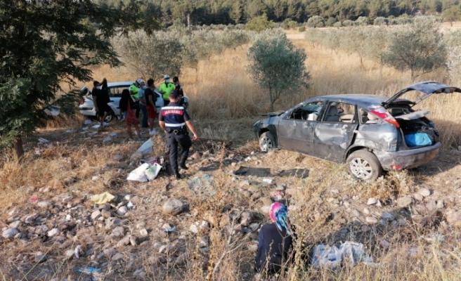 Akgedik'te çarpışan iki araç takla attı: 4 yaralı