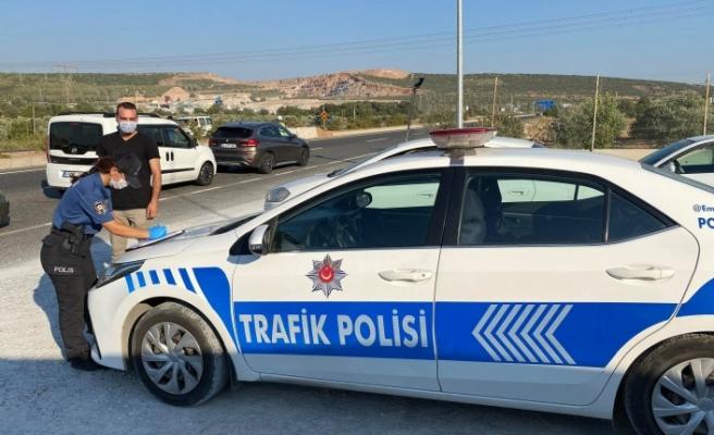 Maske takmayan 10 kişiye 9 bin lira ceza