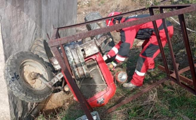 Cazgırlar'da traktör devrildi: 1 yaralı