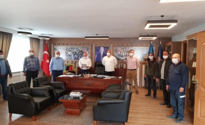 """Türk-İş'ten torba kanun teklifine """"alkışlı"""" protesto"""