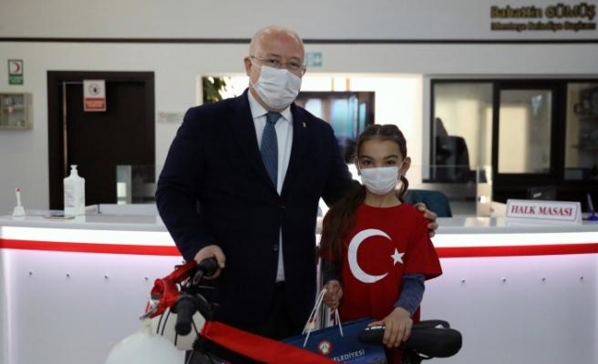 Yatağanlı öğrenci, İstiklal Marşı okuma yarışmasında birinci oldu