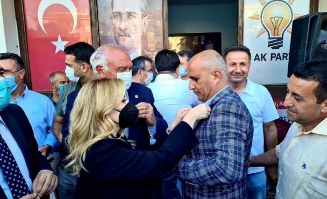 AK Parti'ye Milas'ta katılımlar sürüyor