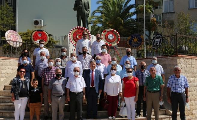 CHP, İYİ Parti ve ADD'den çelenk töreni