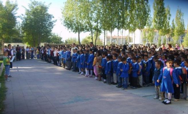 Okula Yeni Başlayanlar İçin Pazartesi İlk Ders Zili Çalacak
