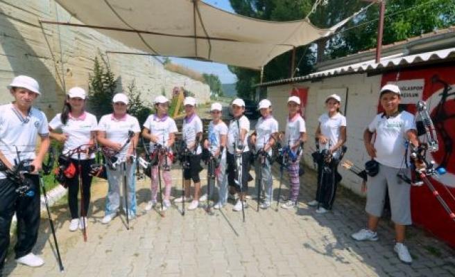 Aile Sağlığı Merkezi Bahçesinde Türkiye Rekorları İçin Hazırlanıyorlar