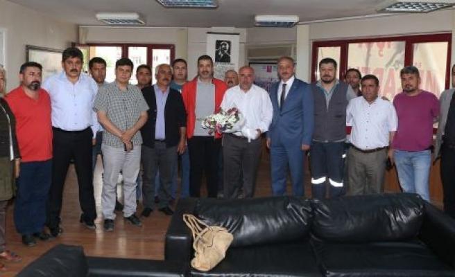 AK Parti'den 1 Mayıs kutlaması